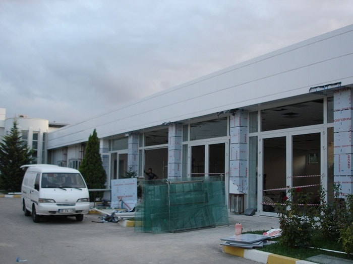Renault Mais Bursa Vehicle Delivery Building Renovation Works