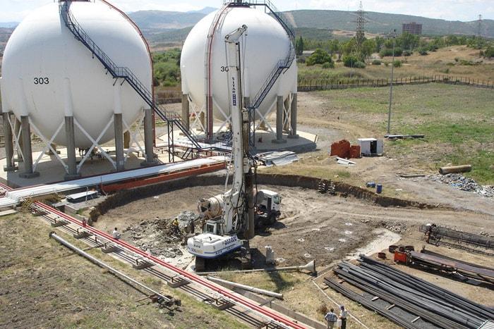 İzmir Aliağa Dolum Tesisi Küre Tank ve Silindir Tank Temelleri İnşaatı